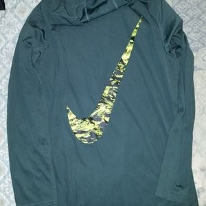 Nike Dri-fit hooded shirt boys xl